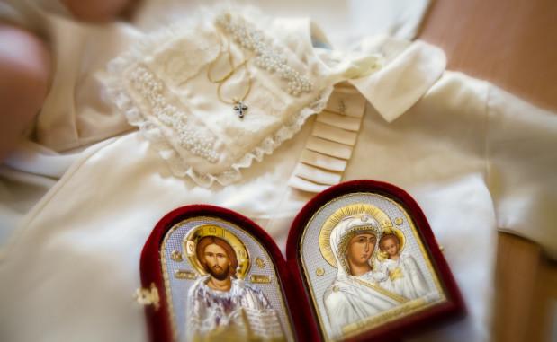 Сколько дарят на крестины